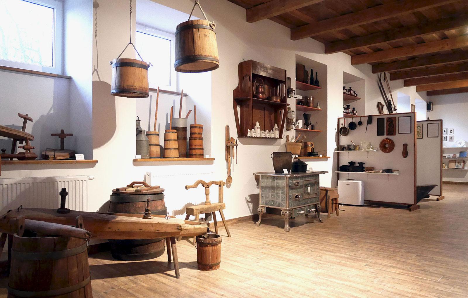 Kuchnia We Dworze Izba Tradycji W Lasochowie